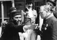 Ladislav Gerendáš nasnímku sRudolfem Hrušínským ve filmu Tři veteráni.