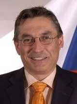 JUDr. Jan Winkler, mimořádný azplnomocněný velvyslanec ČR ve Spojeném království Velké Britanie aSeverního Irska