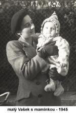 Kleiner Vasek mit Mutter -1945