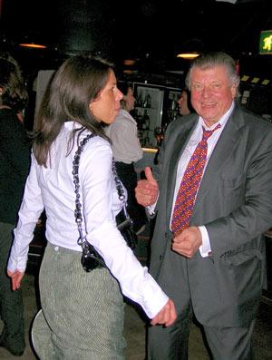 Tommy Takacs, den andra av evenemangets huvud sponsorer dansade gärna iett trevligt sällskap av B. Hartmann, en ny chef för Czech Tourism iSkandinavien.
