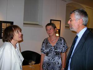 Ann Smith (t.v.), Lucie Svobodova, Jan Kára.