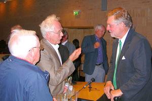Björn von Sydow, statsvetare, f d talman svarade gärna på frågor från seminariebesökare. (t.h.)