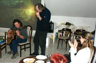Kamarád Pepy Fouska Petr Lang ze Seattlu vUSA  aTomáš Fousek hrají prooslavence /Foto: Pavel Loužecký/